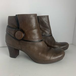 Clarks artisan brown leather ankle boots